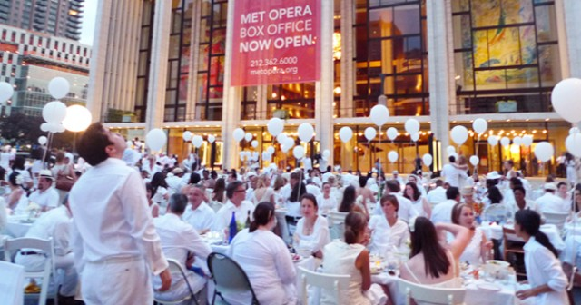 "Diner en Blanc NY 2012 ""Magical night"""
